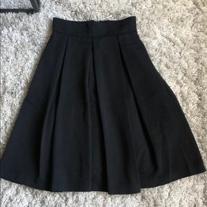 Full pleated midi-skirt